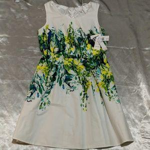 Beautiful watercolor dress with fun colors sz12